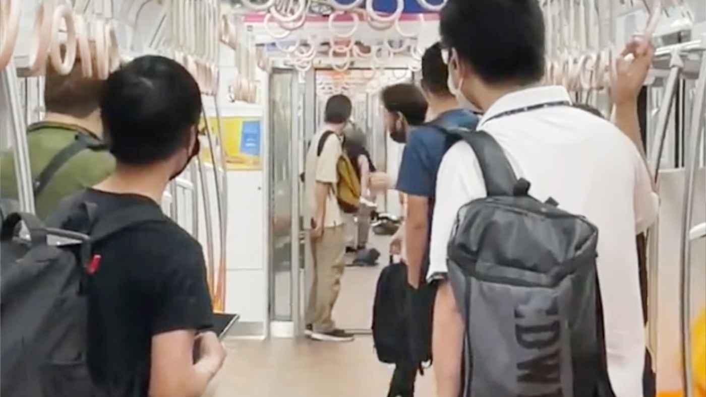 【速報】小田急線車内で通り魔!緊迫の車内動画